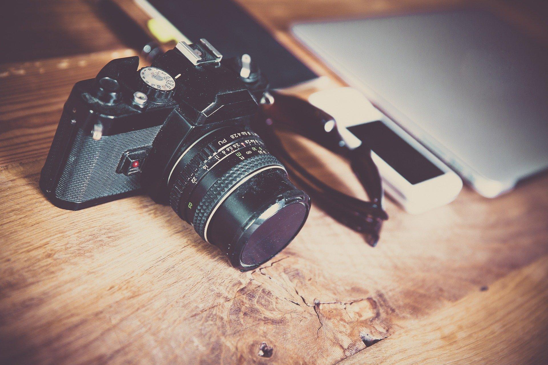 camera-581126_1920.jpg